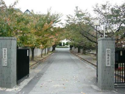 啓光学園・通用門