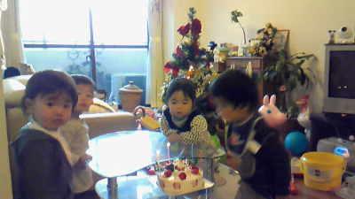 小さなお子様にも人気の大阪ヨーグルトケーキ