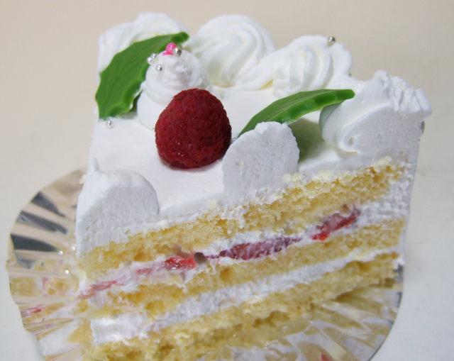 誕生日ケーキ宅配、生クリームデコレーション