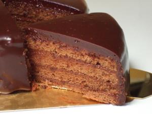 BCCスイーツ・チョコレートケーキ・カット写真