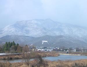 嵐山 雪の鳥居形