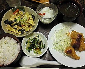 杏仁豆腐は・・・ノーコメント。