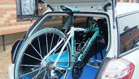 自転車の 自転車 車載 方法 車内 : 前輪だけ外して車載しようと ...