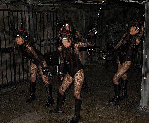 女戦闘員1