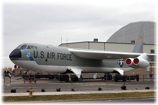 "B-52B""Stratofortress"""