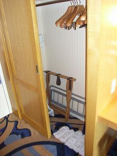アンバサダーホテル・クローゼット.jpg