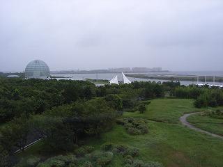 葛西臨海公園・クリスタルビューからTDR方面を望む