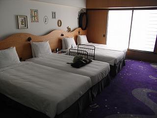 ヒルトン東京ベイ・ハッピーマジックルーム・室内1
