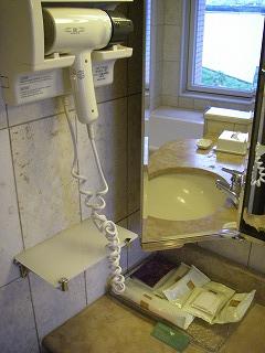 ベイホテル東急・洗面台左