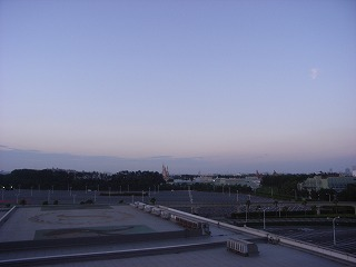 シェラトン・グランデ・トーキョーベイ2009・眺望夕方1