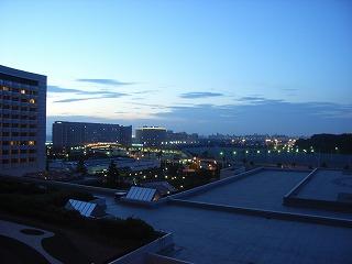 シェラトン・グランデ・トーキョーベイ2009・眺望夕方3