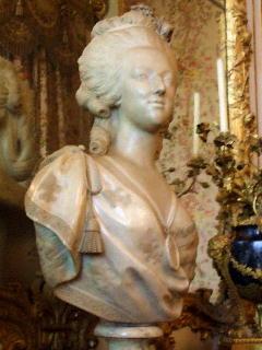 ヴェルサイユ宮殿 マリー・アントワネット彫像