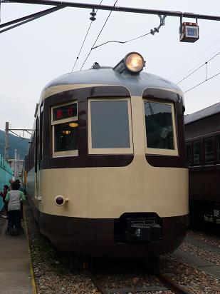 モハ52形