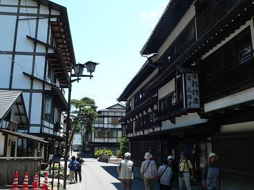 滝下通りの旅館