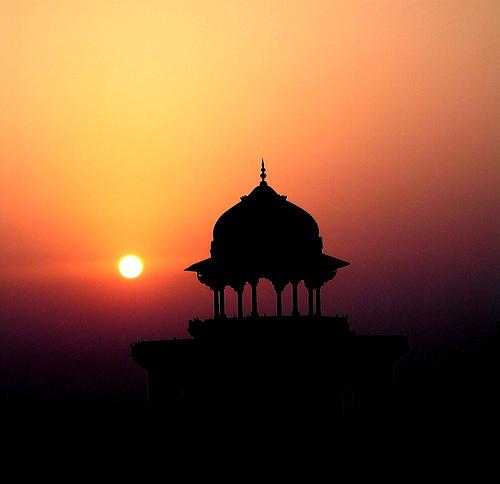 Sun rise Taj Mahal.jpg