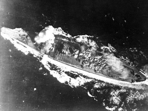 戦闘中の戦艦大和 戦闘中の戦艦大和 しかもネーミングが「大和(やまと)」です。つまりは「...