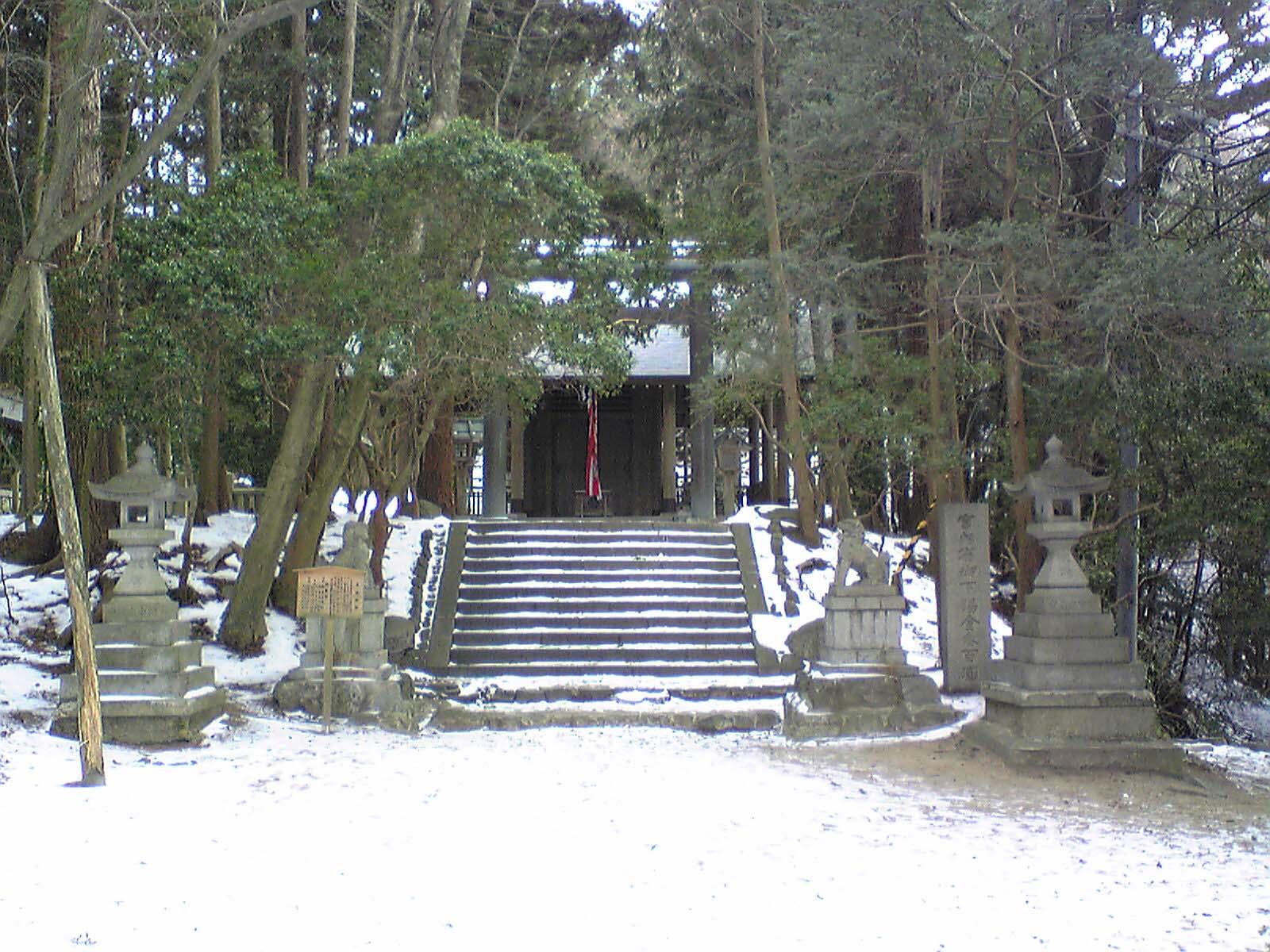 千早城〜二の丸にて社殿(本丸)