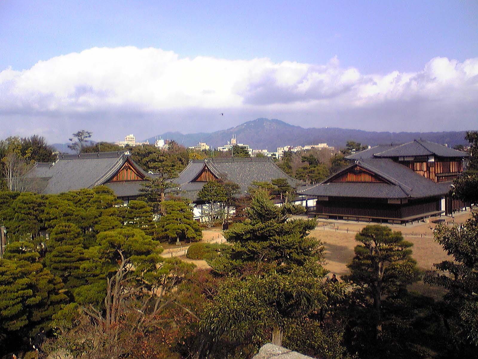 二条城〜天守台からの眺望(本丸御殿など)