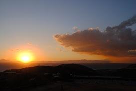 夕陽と雨雲