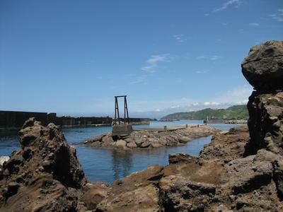 笠島漁港の岩場