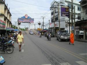 バーンヤイの町並み
