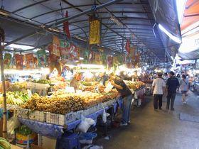 サムローンのフルーツ市場