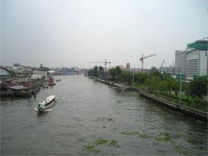バンコクノーイ運河上の橋から