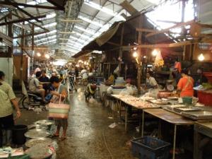 プラプラデーン市生鮮市場