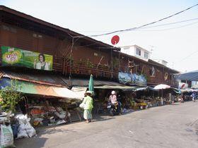 ワット・サイの商店街