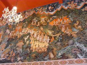 ワット・サンパスィウ本堂の壁画