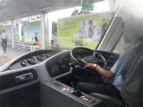 BRTの運転席