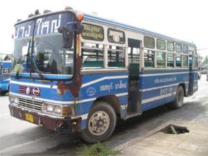 ノンタブリー行きのバス