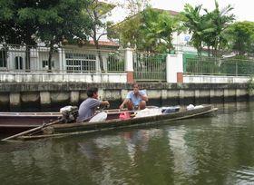 舟で世間話