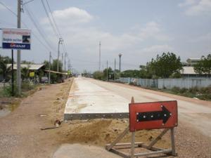 船着場前の道(左側)