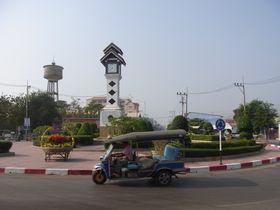 チャロームの時計塔ロータリー