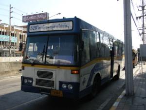 528番バス