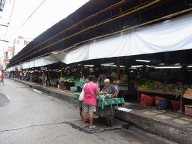 サムローンのイアムチャルーン市場