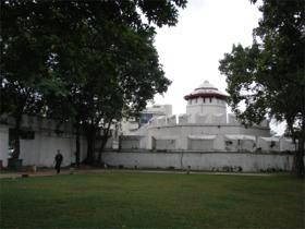 マハーカーン要塞の裏側