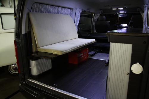 自作 ハイエース キャンピングカー 車中泊仕様にDIYした「100系ハイエース」が僕の家