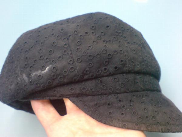 黒帽子の染み1
