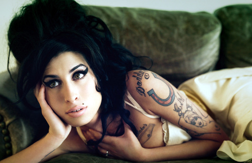 Amy Winehouse bryanadams2007006it0gx8.jpg