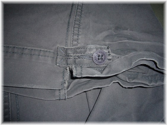 アバクロカーゴ裾部分ダメージ加工
