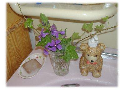 洗面所に花070420