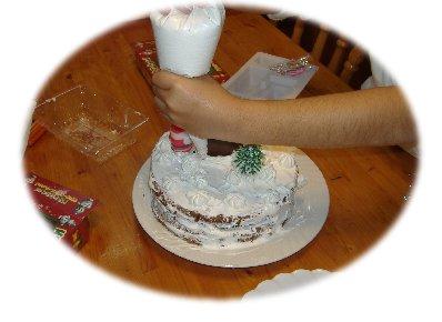 ケーキ飾りつけ