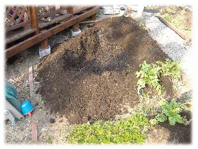 堆肥蒔き1