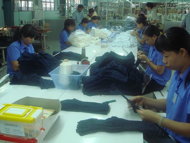10.13縫製靴下工場 (47).jpg