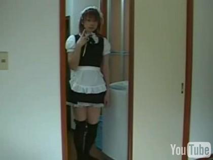 四つんばいでスカート1.jpg