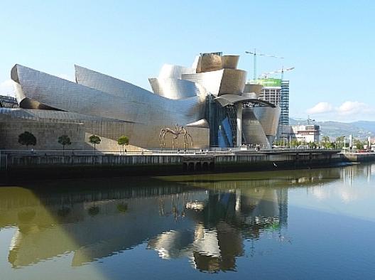 1997ビルバオ・グッゲンハイム美術館 : 一級建築士試験に向けて 建築作品のまとめ1(西洋近現代) - NAVER まとめ