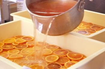ブラッドオレンジをシロップ漬けにする.jpg