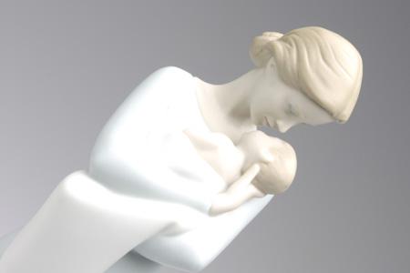 リヤドロ・母の抱擁